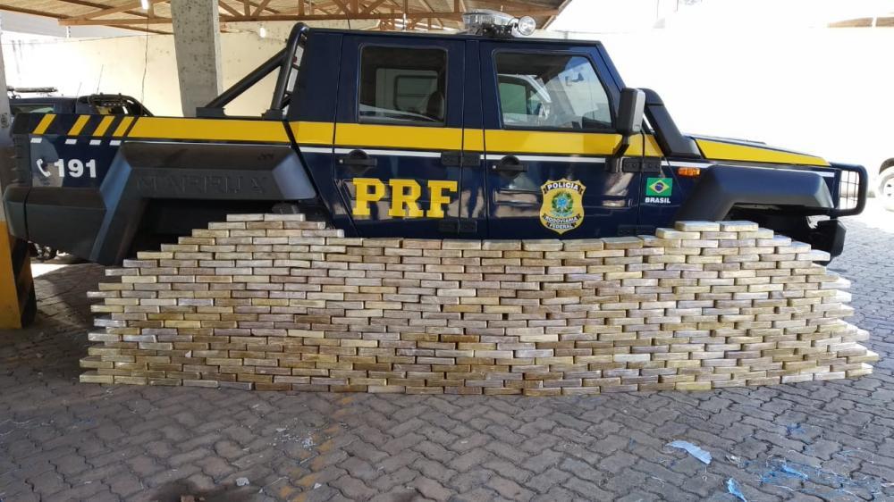 PRF apreende R$ 53 mi em drogas; irmão de ex-deputado é preso