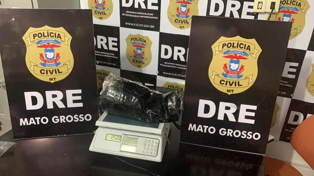 Polícia Civil prende mulher que transportava 2,5 quilos de pasta base em ônibus interestadual