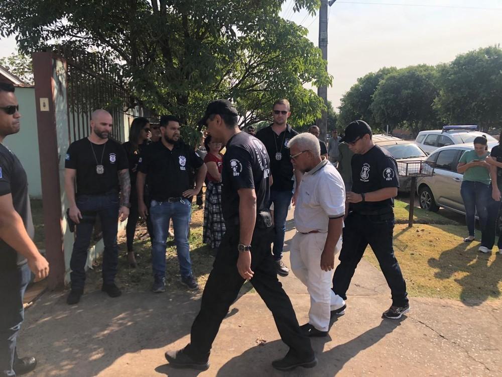 Idoso aponta local em banheiro onde enterrou corpo de mulher em Sinop após confessar crime 24 anos depois
