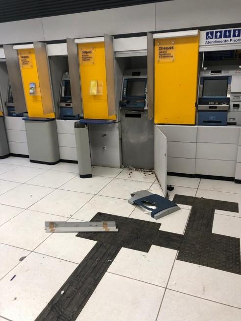 Bandidos tentar explodir caixa eletrônico do BB em Nobres-MT