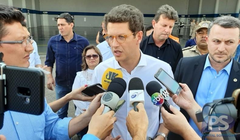 """""""Temos bastante trabalho para fazer"""", diz ministro em Sorriso sobre combate a queimadas em MT"""