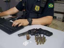 Motorista de carreta é preso pela PRF com arma e drogas na BR-364 em Nobres-MT